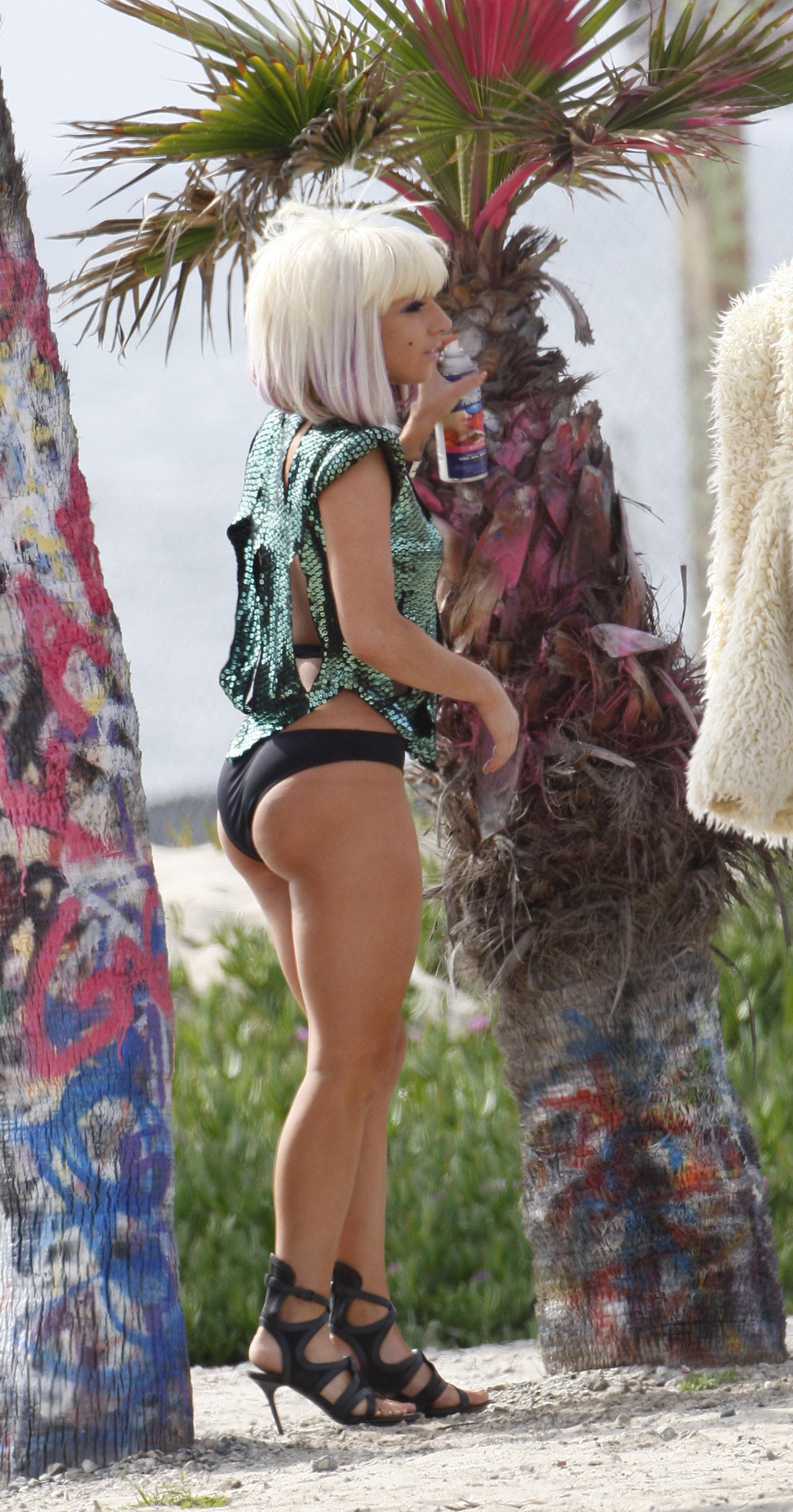 Skinny nude 3d erotica clips